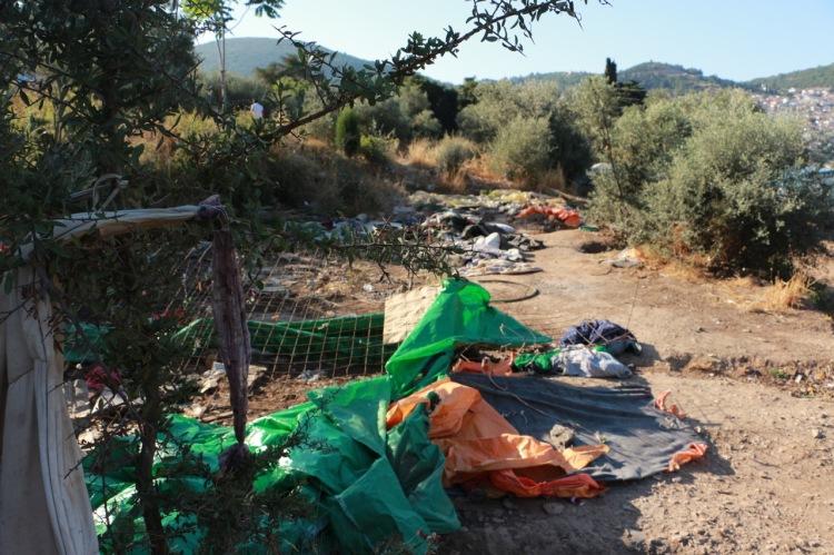 Verwahrloste Umgebung um das Flüchtlingslager in Samos.