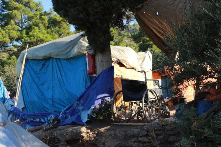 Die Geflüchteten müssen in dünnen Zelten auf Samos leben, ob Sommer oder Winter.